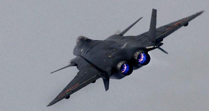 Caça chinês J-20, com tecnologia stealth