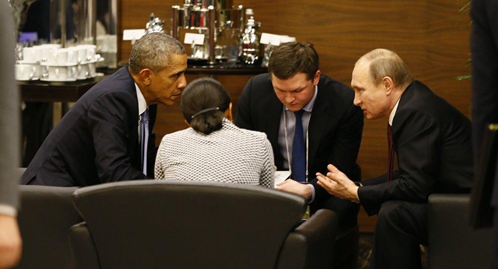 Barack Obama conversa com Vladimir Putin antes da sessão de abertura da Cúpula do G-20 em Antália