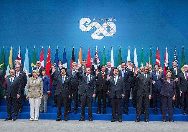Líderes posam para foto de grupo durante a cúpula do G20, em Brisbane, Austrália, em 15 de novembro de 2014