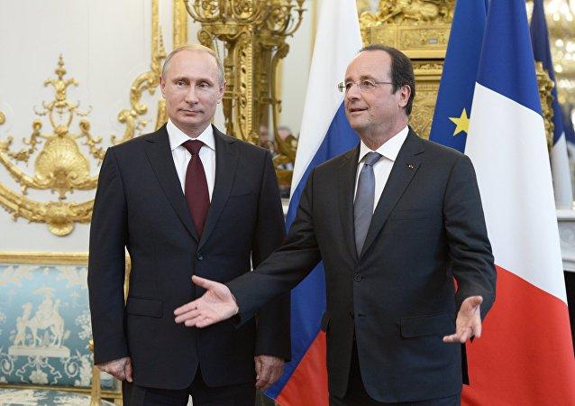 Presidente da Rússia, Vladimir Putin, recebe o presidente da França, François Hollande, em Moscou