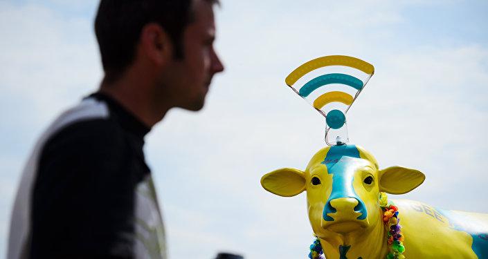 Uma vaca de plástico exposta em uma feira no Reino Unido em 2014