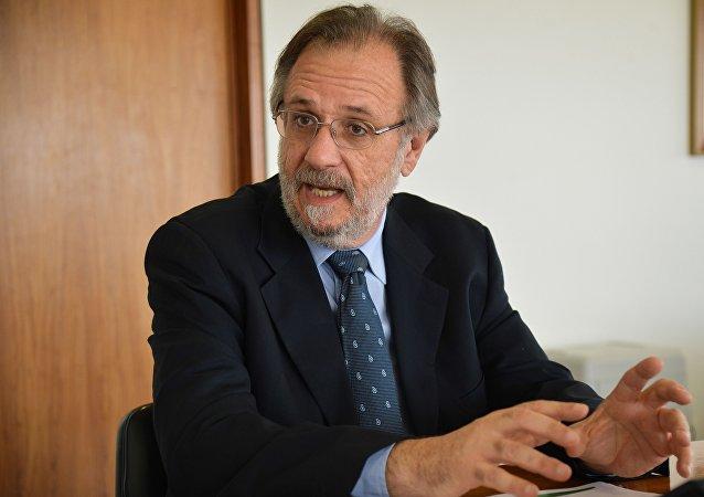 Ministro Miguel Rossetto agradece o apoio das centrais sindicais e empresariais