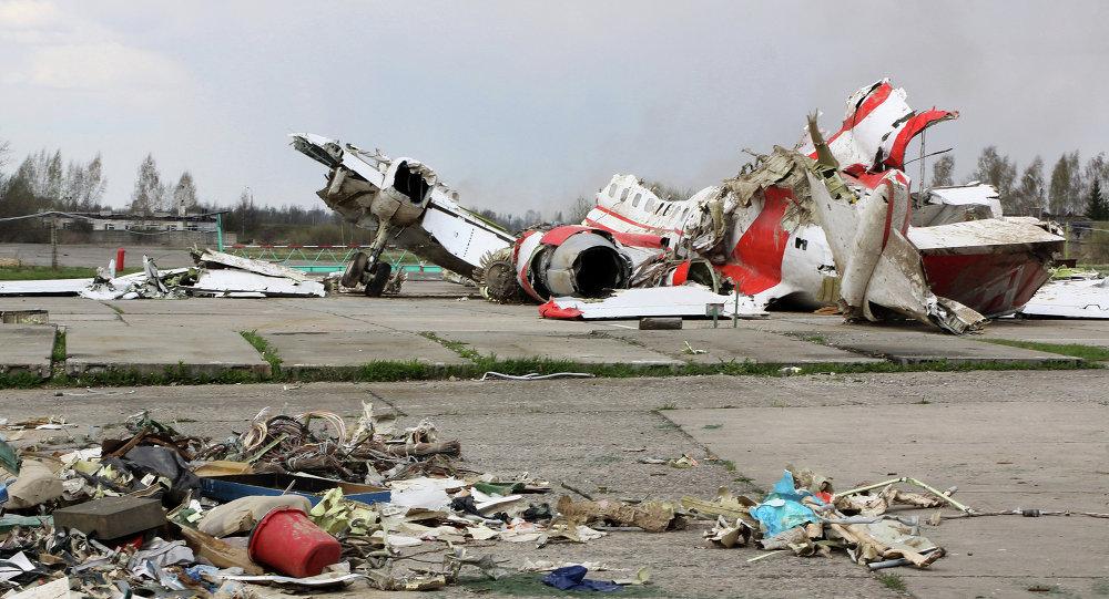 Destroços do Tu-154 que levava o então presidente polonês Lech Kaczynski