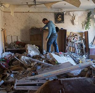 Consequência do bombardeio a Gorlovka, em Donetsk, pelas forças de Kiev
