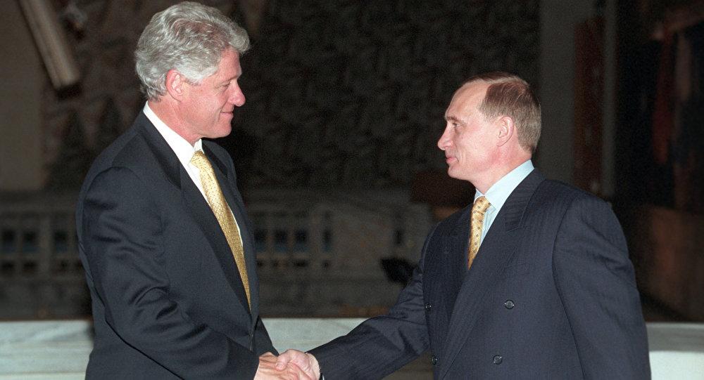 Bill Clinton, presidente dos EUA na altura, e Vladimir Putin, então primeiro-ministro da Rússia, durante a visita oficial de Putin à Noruega em 1999