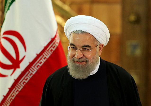 Presidente iraniano, Hassan Rouhani, chega à conferência de imprensa, Teerã, Irã, 17 de janeiro de 2016