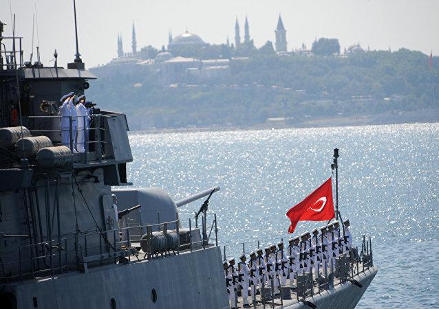 Navio da Marinha turca