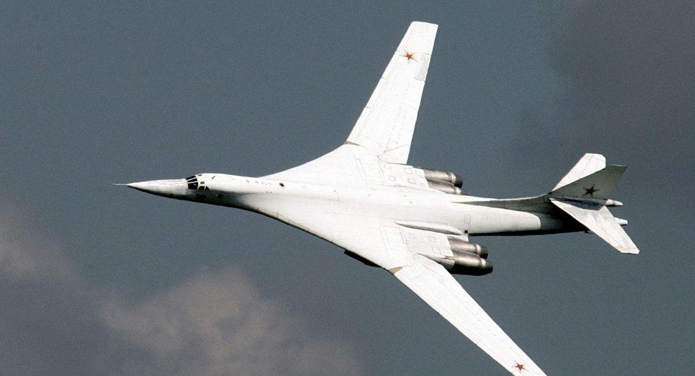 Um bombardeiro estratégico Tu-160