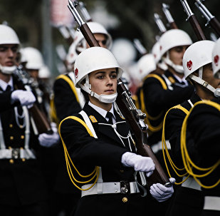 Soldados do Exército da Turquia participam da cerimónia no Dia de República em Istambul, Turquia, 29 de outubro de 2015
