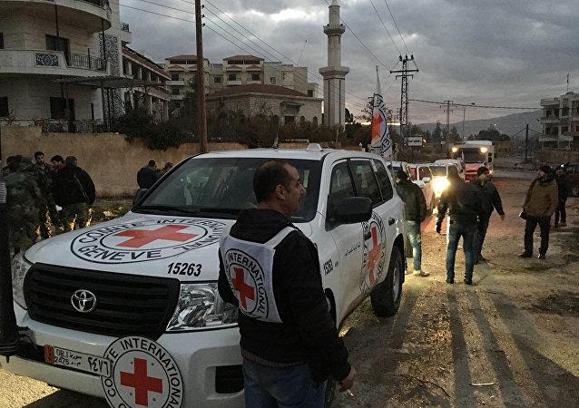 Comboio com ajuda humanitária na cidade cercada de Madaya, Síria