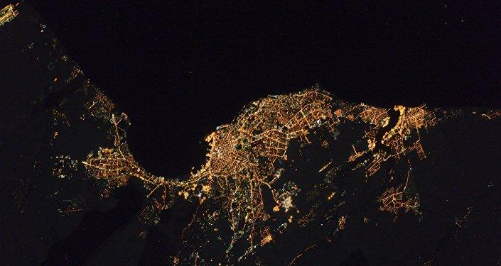 Vista da cidade de Odessa feita a partir do espaço pelo cosmonauta russo Sergei Volkov