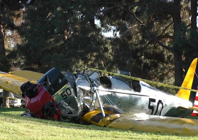 Avião de Harrison Ford cai em Los Angeles