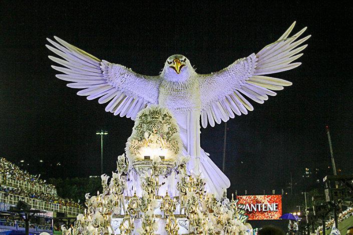 Desfile da Portela no Carnaval 2015