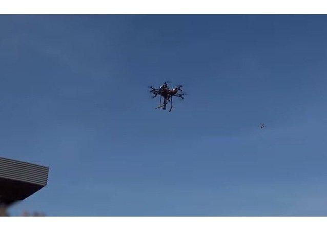 Drone 'matador de tanques' lança mísseis