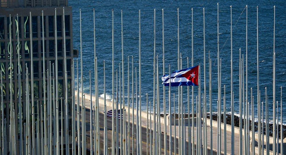 Cubanos expulsos dos EUA após