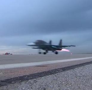 Jatos Sukhoi partem para missão na Síria