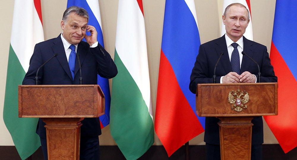 O presidente da Rússia, Vladimir Putin, em encontro com o premier húngaro, Viktor Orban, em Moscou