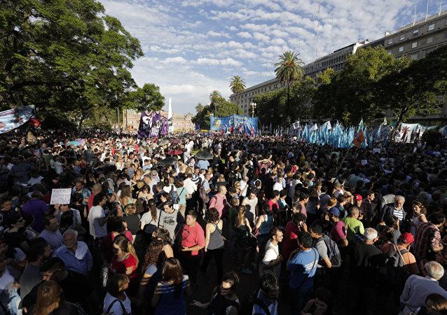 Protesto na Plaza de Mayo, em Buenos Aires, Argentina