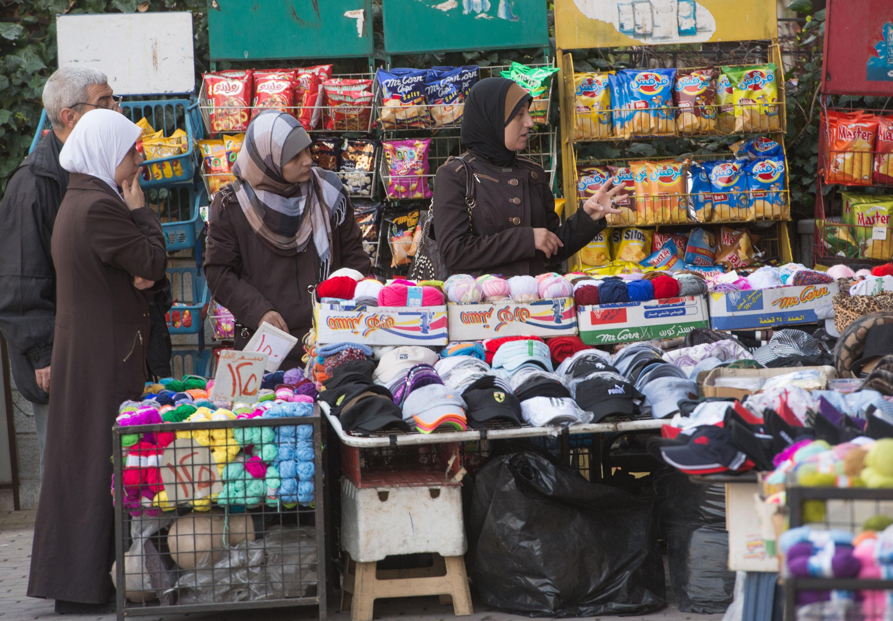 Comércio nas ruas de Damasco no primeiro dia de trégua, Síria, 27 de fevereiro de 2016