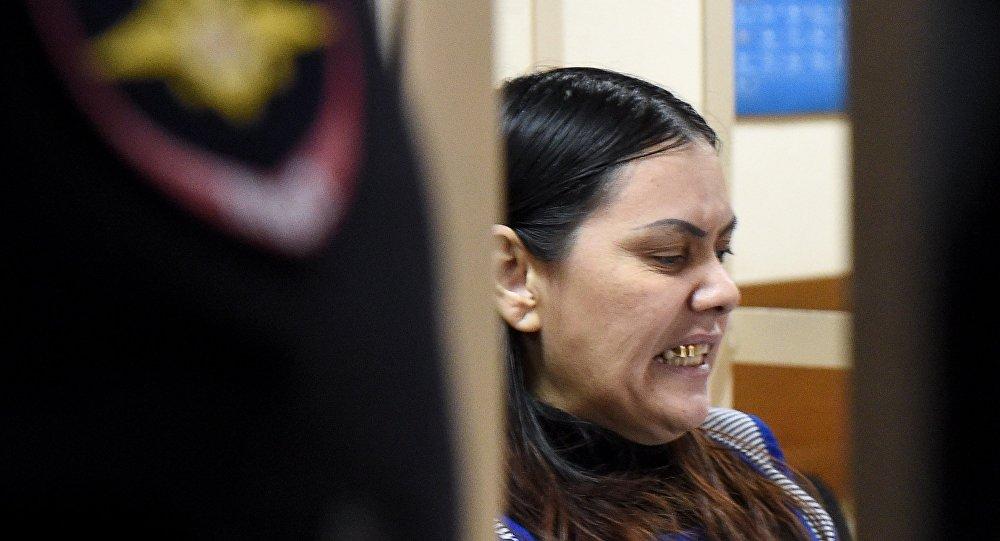 Gulchekhra Bobokulova durante seu julgamento, em 2 de março de 2016