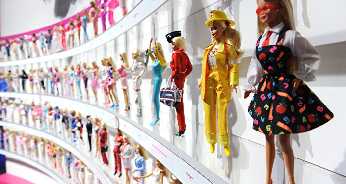 Parede de bonecas Barbie na feira de bonecas em Nova Iorque, EUA, 2010