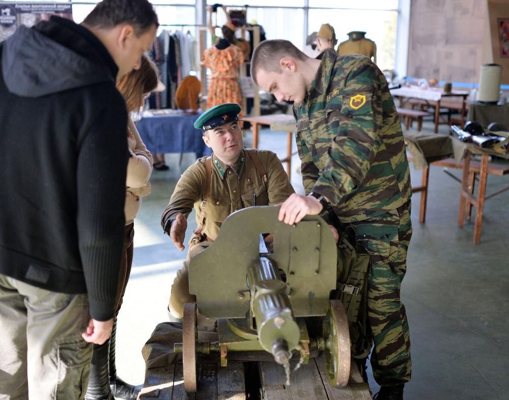 Festival técnico-militar acaba em Moscou