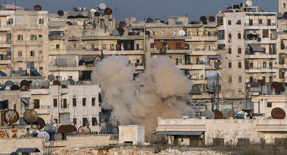Explosão na área residencial da cidade síria de Aleppo em 18 de fevereiro de 2016