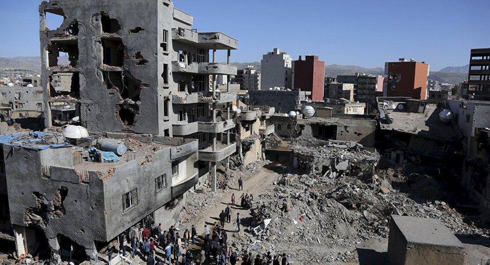 Edifícios destruídos durante operação militar turca na cidade de Cizre no sudeste da Turquia