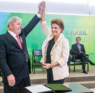 Presidenta Dilma Rousseff durante cerimônia de posse do novo Ministros da Casa Civil, Luiz Inácio Lula da Silva