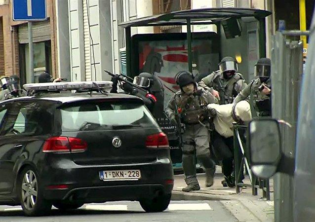 Polícia belga prende Salah Abdeslam, participante dos atentados em Paris