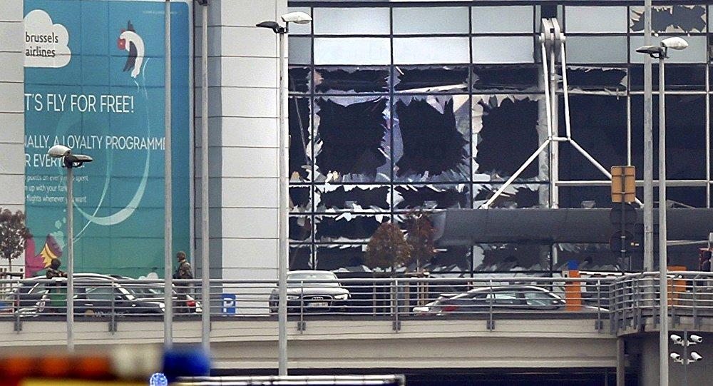 Explosões atingem aeroporto de Bruxelas, 22 de março 2016