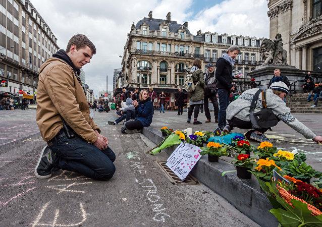 Flores e homenagens às vítimas dos atentados em Bruxelas - 22 de março de 2016