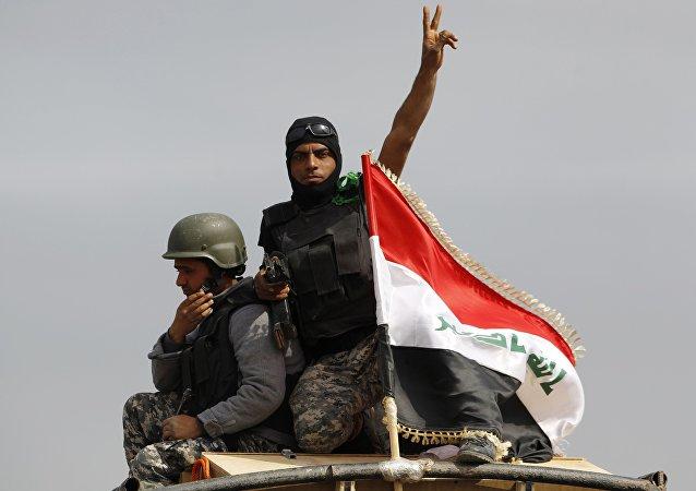 Soldado das forças iraquianas na cidade de al-Alam