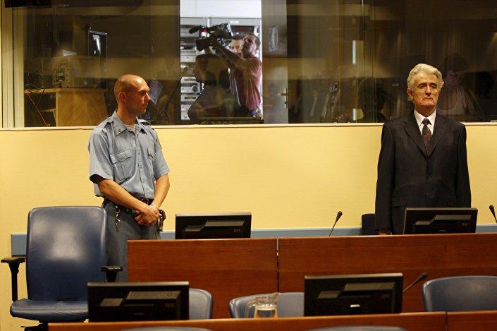 Radovan Karadzic durante seu julgamento