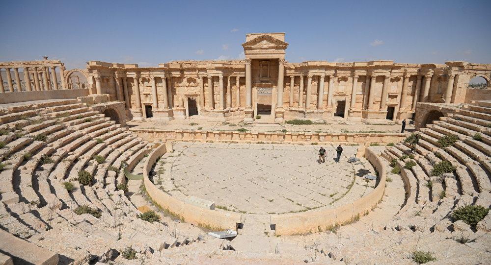 Anfiteatro na parte histórica de Palmira, Síria, em 28 de março de 2016