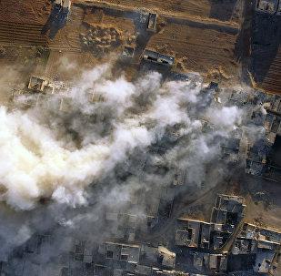 Subúrbio de Damasco de Daraia onde as forças sírias lutam contra terroristas, Síria (foto de arquivo)