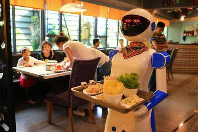 Robô-garçom num dos restaurantes de Guangzhou, China