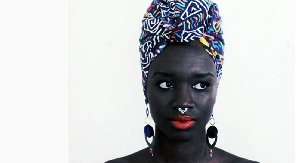Loo Nascimento, uma das mulheres cuja história figura na exposição do Instagram em São Paulo