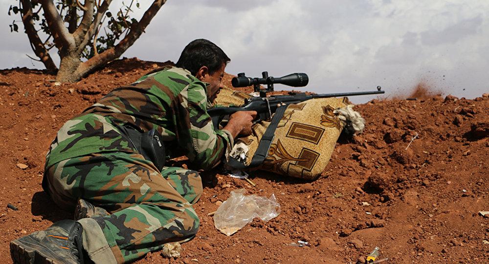 Combatente do Exército Livre Sírio (foto de arquivo)