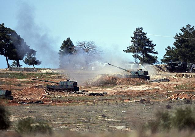 Artilharia turca realiza disparos na fronteira da Síria