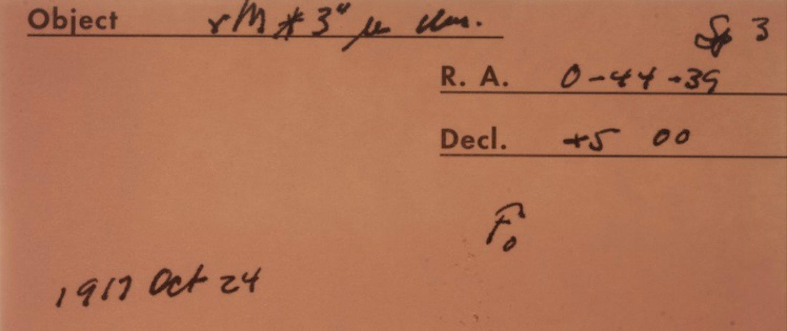 Notas manuscritas sobre a manga da placa astronômica, feita pelo observador Walter Adams, ex-diretor do Observatório.
