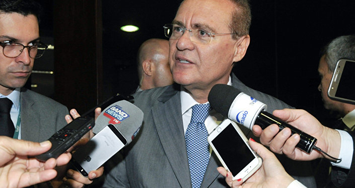 Presidente do Senado, Renan Calheiros, concede entrevista soibre impeachment em Brasília