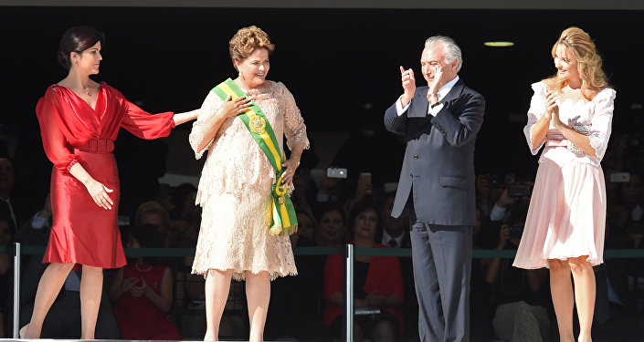 Marcela Temer (extrema direita) na cerimônia de posse da presidenta do Brasil, Dilma Rousseff