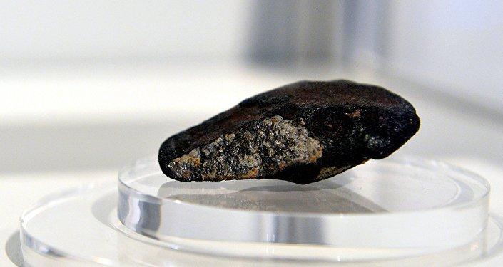 O fragmento do meteorito de Chelyabinsk