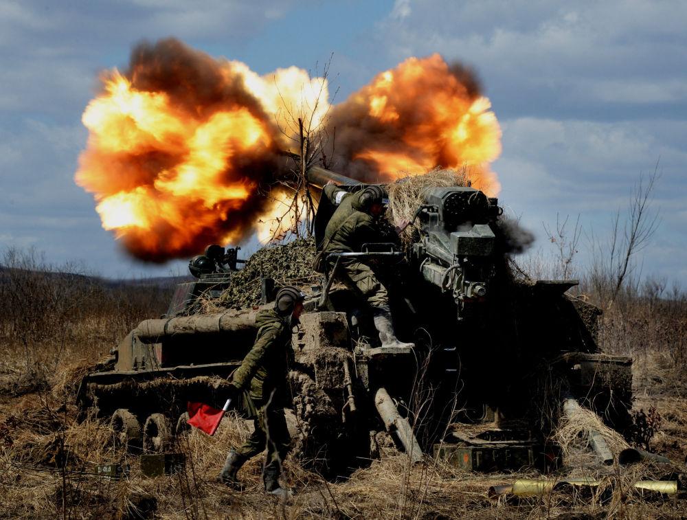 Treinamentos militares táticos do exercito das diferentes armas da região militar oriental da Rússia