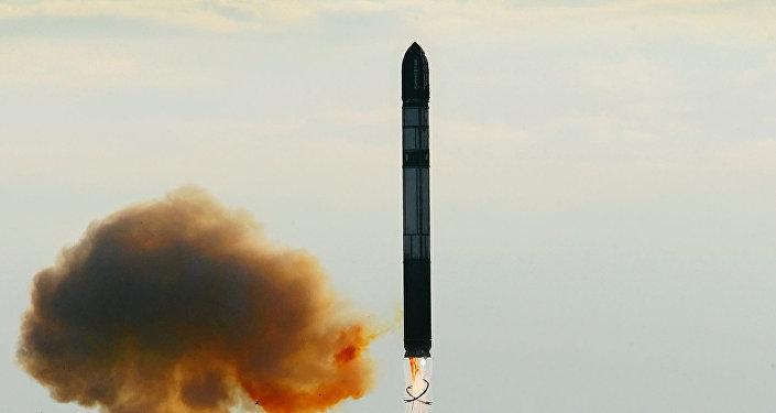 Lançamento de míssil intercontinental balístico RS-20