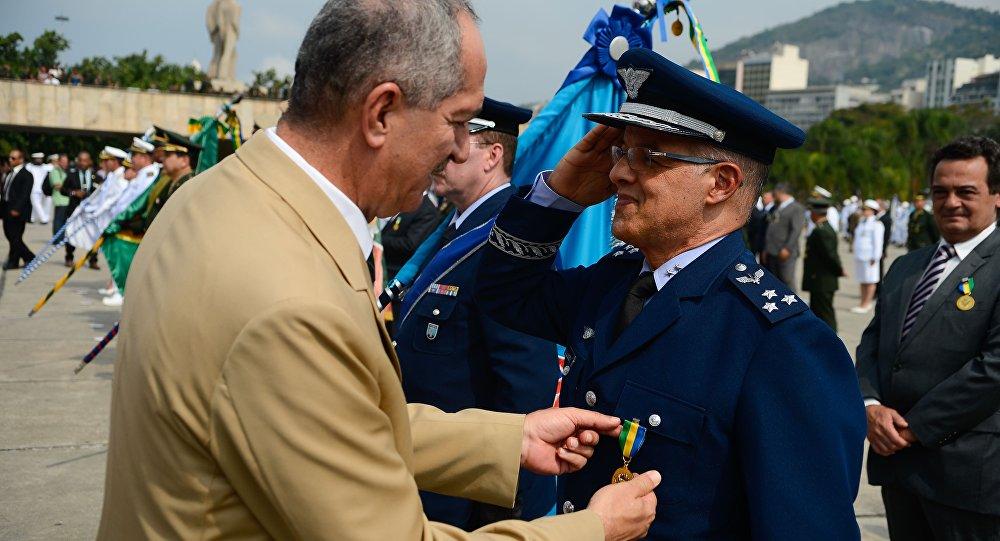 Aldo Rebelo na cerimônia de entrega da Medalha da Vitória