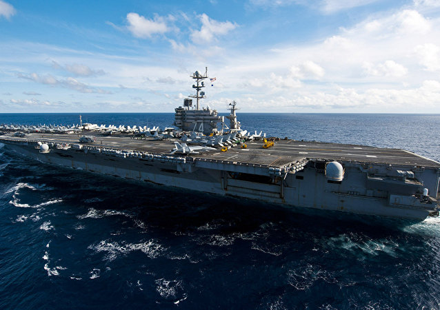 USS John C. Stennis (CVN-74), um super-porta-aviões de propulsão nuclear norte-americano da classe Nimitz