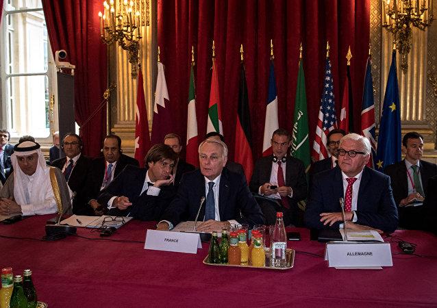 Reunião de ministros das Relações Exteriores em Paris para discutir a crise síria
