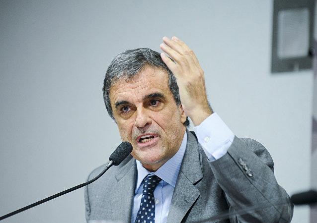 Advogado-geral da União, José Eduardo Cardozo entra com mandado de segurança no STF contra impeachment